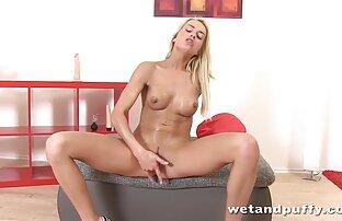 Blond gör sin pojkvän sexfilm lesbisk glad