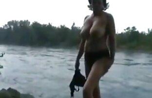 Trevlig hoppa på en stor svensk amatör porrfilm kille