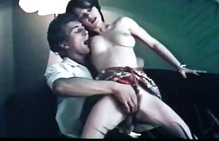 Bonuspoäng för en söt fri sexfilm kille med en slät liten fitta